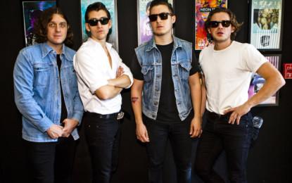 La performace degli Arctic Monkeys al Jimmy Kimmel Live