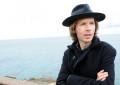 Beck ha annunciato un nuovo album, ascolta il primo singolo Wow