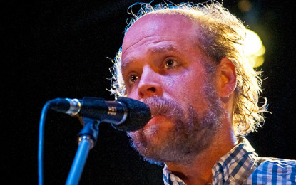 Bonnie 'Prince' Billy dedica al capitano della nave di Greenpeace Arctic Sunrise una nuova versione di Black Captain