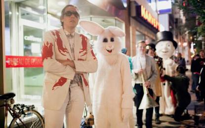 Venire con completo formale o travestimento: la richiesta degli Arcade Fire per il loro tour estivo