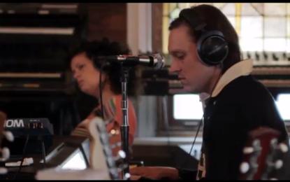 Guarda un dietro le quinte degli Arcade Fire e Owen Pallett al lavoro con la colonna sonora di Her