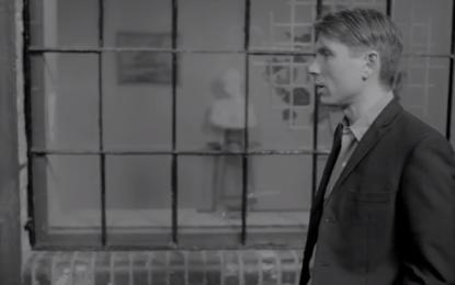 Guarda i due nuovi video dei Franz Ferdinand per Fresh Strawberries e Erdbeer Mund
