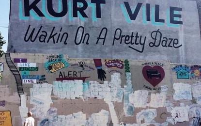 Il mural di Kurt Vile a Philadelphia è stato deturpato