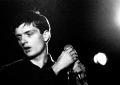 Cosa ne sarà dell'appartamento di Ian Curtis? Parla Bernard Sumner dei Joy Division/New Order