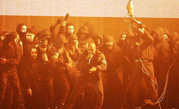 Kanye West presenta il suo ultimo singolo All Day ai Brit Awards, guarda il video