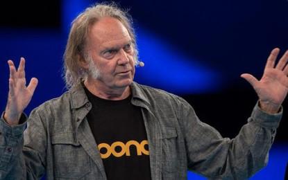 La BBC vieta ai suoi DJ di passare Neil Young, i Journey, i Doors e altri