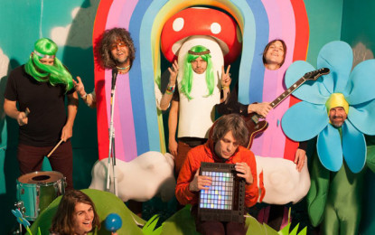 Guarda i Flaming Lips suonare 8 cover di David Bowie