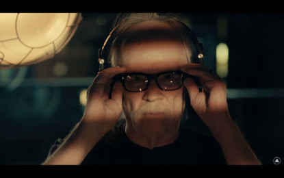 Guarda: John Carpenter, Distant Dream (Live in Studio)