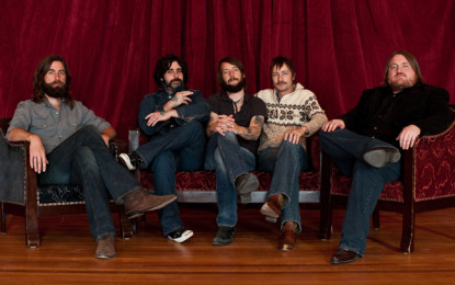 Ascolta: Band of Horses, In a Drawer (feat. J Mascis)