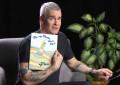 Henry Rollins recita un libro per bambini e tutto va bene
