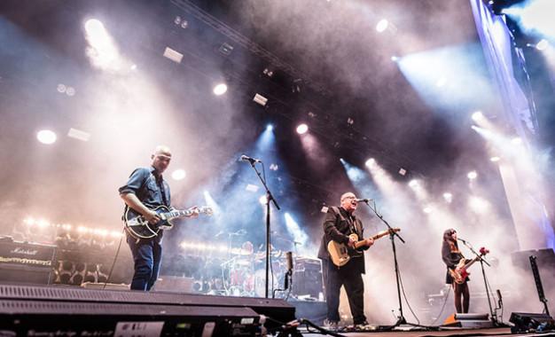 Pixies, ascolta tre nuovi brani live da Head Carrier