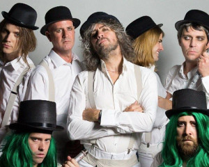 Ascolta: The Flaming Lips, Sunrise (Eyes of the Young)