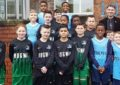 I Mogwai sponsorizzano la squadra di calcio di una scuola elementare per non udenti