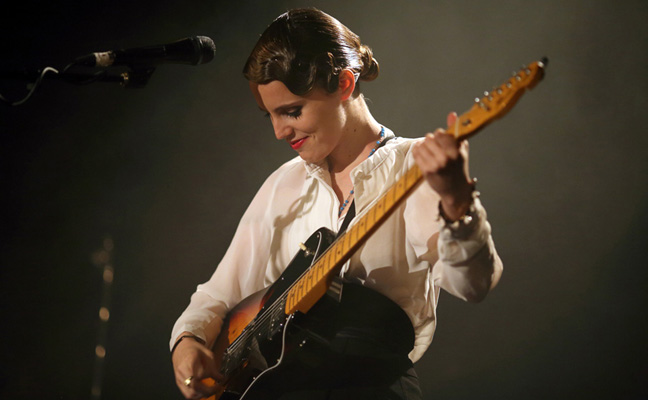 Anna Calvi - Islington Assembly Hall, London 08/10/2013 | Photo